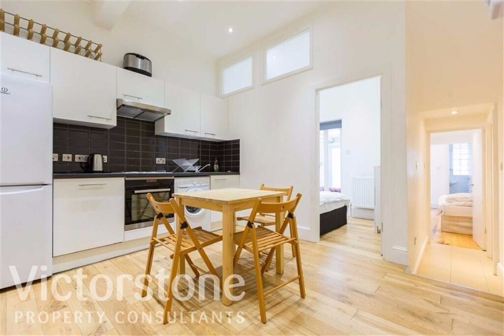 NEWLY RENOVATED THREE DOUBLE BEDROOM CONVERSION**CAMDEN***FREE WIFI INTERNET**