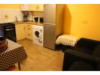 3 BEDROOM FLAT GROUND FLOOR TO RENT IN LEYTONSTONE - Council Tax & Water Included - ref#1046