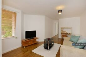 1 bedroom flat in Exeter Road, London, NW2 (1 bed) (#1104766)