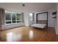 HIGHGATE -Spacious 4th Floor, Bright, Furnished Double STUDIO Flat with Gym, Gas+Hot Water Inclu -N6