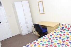 Double Bed Room-Clean & Quite in 2bed house in Old Trafford M16-300pm-Bills Included