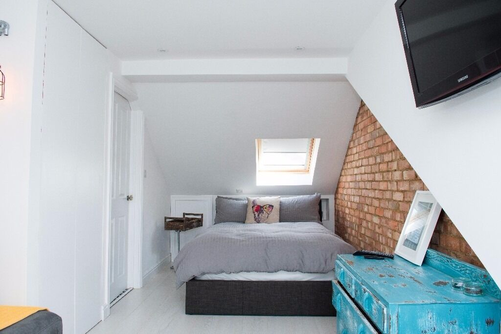 Lovely Entire Floor Loft Conversion Room With En Suite