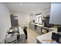 Large 3 bed with a modern kitchen dinner with access to comunal gardens.