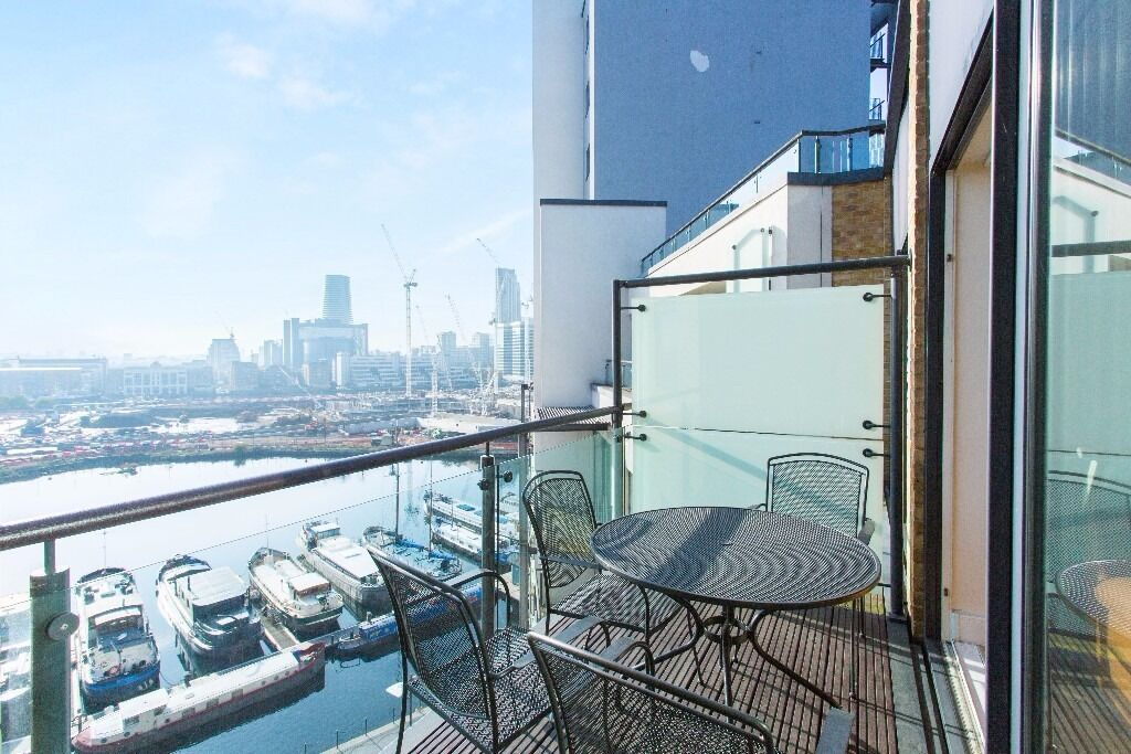 - Beautiful 2bedroom 2bathroom property with river views at highly desirable Boardwalk Place E14!