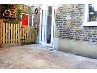 1 BED FLAT Located on a residential street right in the heart of Crouch End.