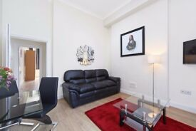 EARLS COURT**BIG PRICE REDUCTION**2 BEDROOM FLAT AVAILABLE IMMEDIATELY