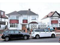 4 bedroom house in Alderton Crescent, Hendon, NW4