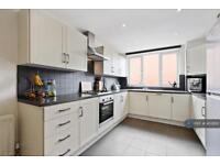 3 bedroom house in Waverton Road, London, SW18 (3 bed)