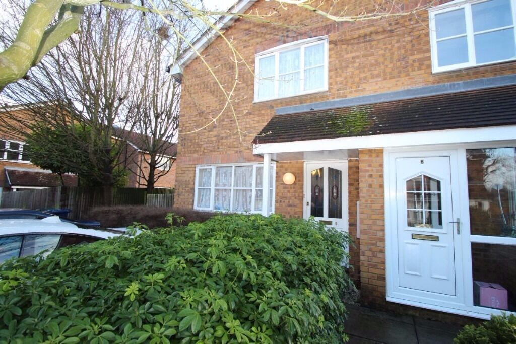 ***A RARE OPPORTUNITY TO OCCUPY THIS 1 BEDROOM HOUSE WITH A DRIVEWAY - WELL MAINTAINED - BE QUICK***