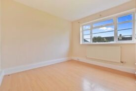 Newly decorated, bright and airy 2 bedroom apartment in Twickenham
