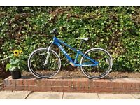 Kids Bike - Giant XTC JNR Team 24 - VERY Good Condition