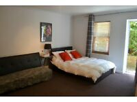 Immaculate Large Studio Flat – Slough