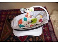 4moms Baby Swing with newborn insert