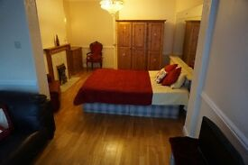 HOUSE SHARE in Blackheath/Woolwich/Greenwich, SINGLE, DOUBLE and TRIPLE ROOMS! *WE WELCOME COUPLES*