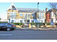 2 bedroom flat in Sunningfields Road, Hendon, NW4