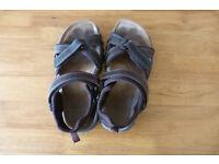 CLARCKS LEATHER TREKKING/WALKING SANDALS SIZE 9