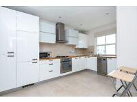 Large two bedroom split level flat on Victoria Rise - SW4, £1850 per calendar month