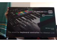 Novation Launchkey 25 - 25 key USB MIDI Controller - GREAT CONDITION