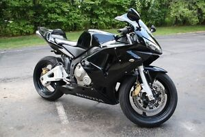 2004 cbr 600rr 45,000km yoshi pipe runs GREAT 3850$obo