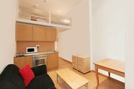 Mezzanine Studio Flat, Less than 5 mins walk to Notting Hill Gate Station and Hyde Park.No Bills inc