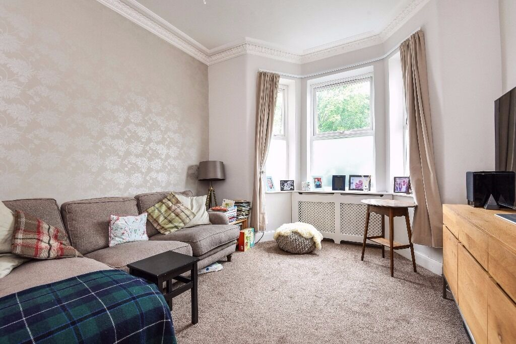 A Four Double Bedroom Victorian House on Mandrake Road, London, SW17, £3000 Per Month