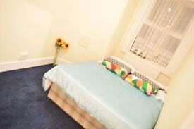Double room in Tooting. Available now.