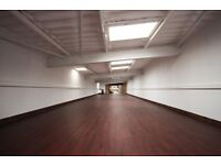 2000sqft Warehouse- Open plan, High ceilings, free fork lifts to use, Great Storage/Workshop/Office