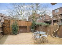 AMAZING 3 BED FLAT- FULLY REFURBISHED WITH A PRIVATE GARDEN