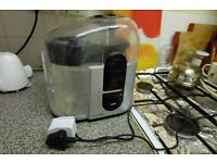 Fruit Juice Extractor Juicer In Very Good Condition Apple Carrot Vegetable