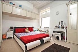 Double room to share in beautiful flat at ilford