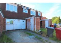 3 bedroom house off street parking slough