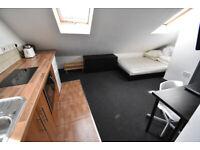 R5 Studio Room