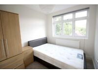 LOVELY MODERN 2 DOUBLE BEDROOM FLAT NEAR ZONE 2 TUBE, TRAIN, 24 HOUR BUSES & SHOPS