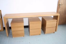 Bench and drawers set