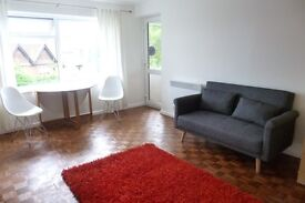 GUILDFORD CENTRAL LARGE BEDSIT WITH PRIVATE BALCONY & PARKING