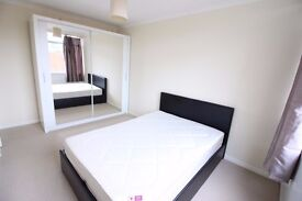 Beautiful Bright Room for Girl near Putney Barnes Roehampton Bills Included NO FEES NO PAY