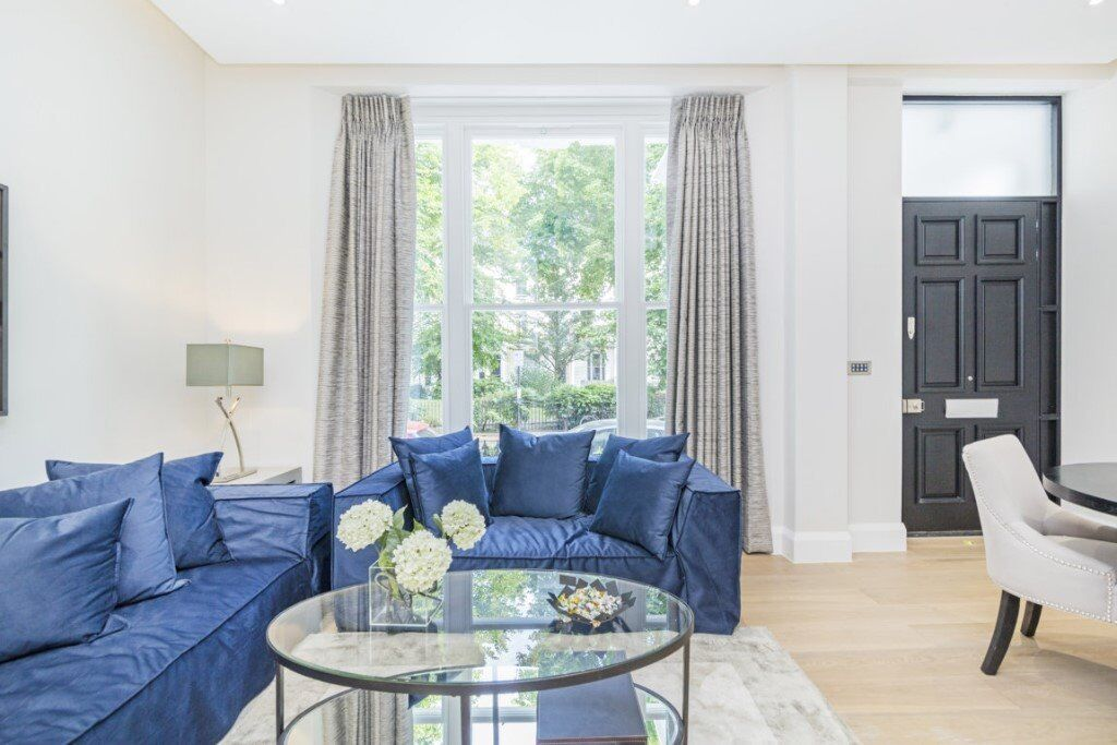 **EXCLUSIVE**STUNNING BRAND NEW FLAT** W2\ AVAILABLE NOW**