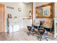Beauty therapist salon manager