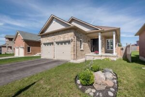 Super Clean Move-In Ready Bungalow! - Innisfil