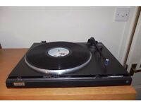Technics Direct Drive Automatic Turntable SL-Q210 very good condition and full working order