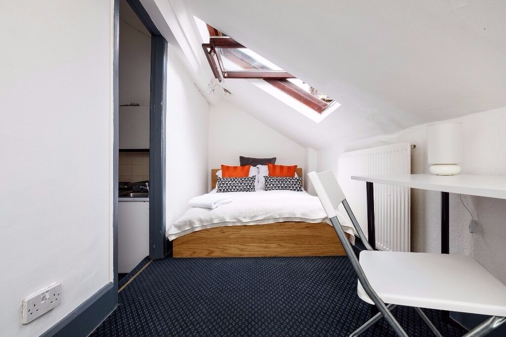 Studio Apartment Manchester piccadilly gardens studio apartment. serviced short term let | in