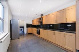 SW18 2LP - ST ANNS CRESCENT - A STUNNING 4 DOUBLE BED HOUSE 2 RECEPTION AND TWO BATHROOMS