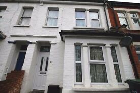 LOVELY TWO BEDROOM HOUSE MINS FROM SILVER STREET STATION AND EDMONTON GREEN SHOPPING CENTRE...