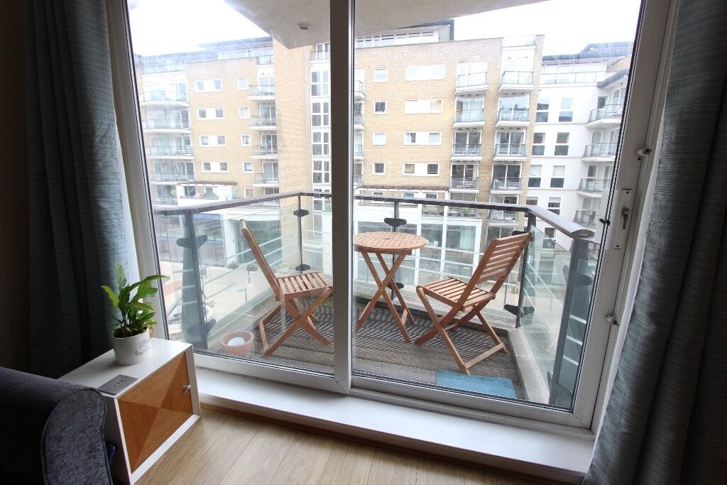 AVAILABLE TODAY 2 BED FLAT. IDEAL FOR Couples, Sharers Train, amenities, Eateries + SW London