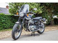 Kawasaki W650 motorbike with windscreen - low mileage - new tyres and chain