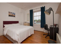 Large Room, ideal for a couple. The room is in shared house in Clifton.