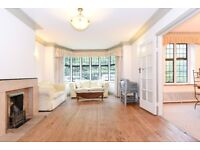 A fantastic three double bedroom flat for rent moments from the open spaces of Putney Heath