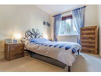 GARDEN ground floor gated and secure 1 bed flat in Bow ( mile end , bethnal green, stepney green )