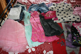 LARGE BUNDLE OF 48 ITEMS OF GIRL'S CLOTHES AGE 7-8