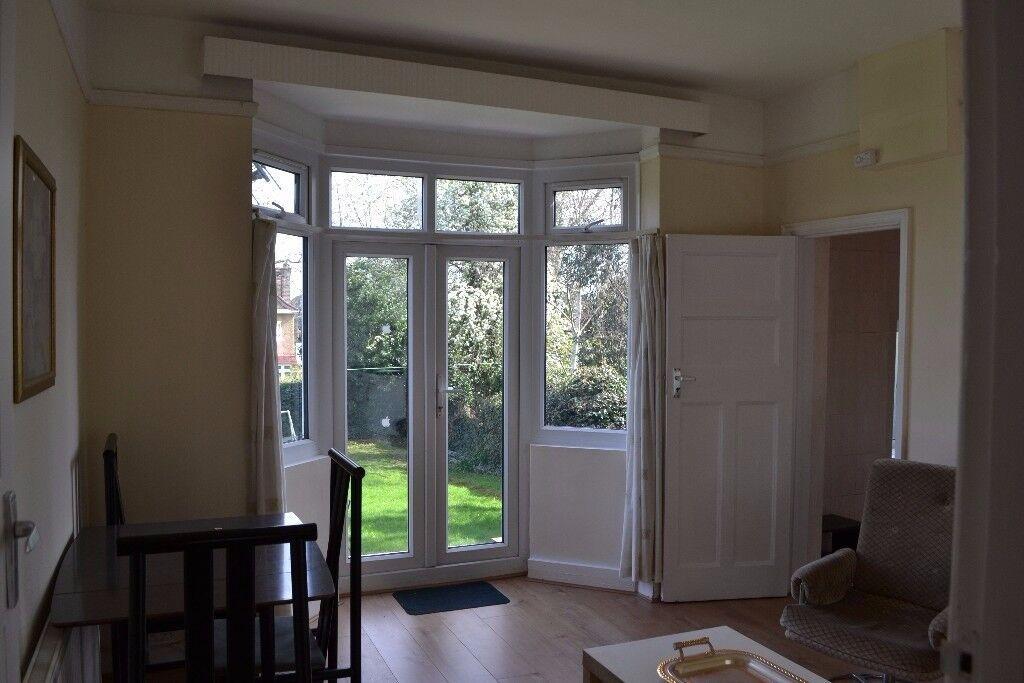 Two bedroom Garden flat.Hendon-Neeld Crescent.